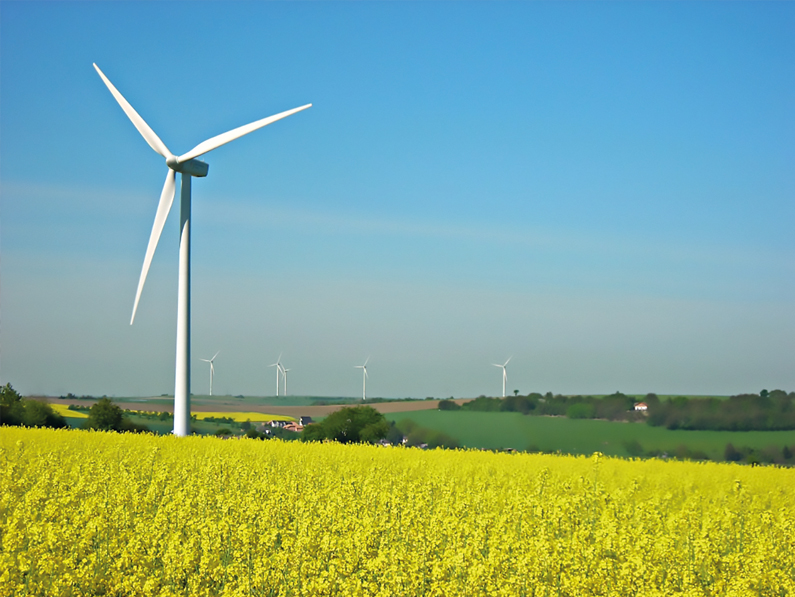 (FR) L'éolien a le vent en poupe