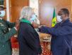 Le professeur Raoult reçoit les honneurs au Sénégal